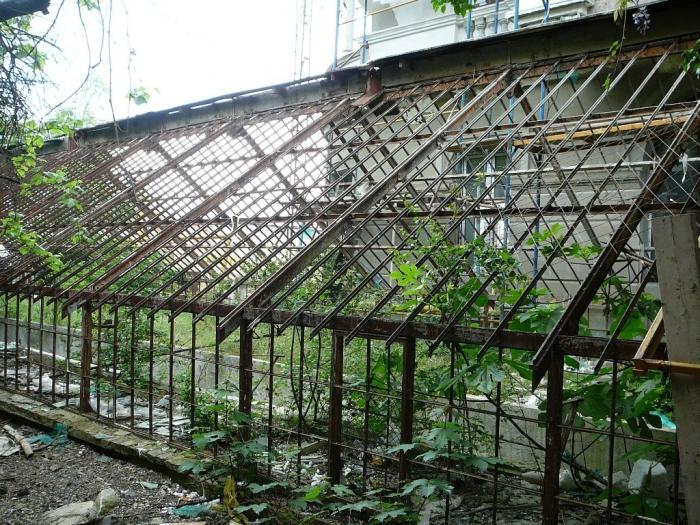 014b_greenhouse_livadia_2010.jpg