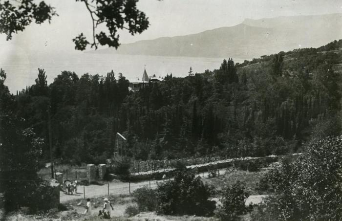 043_rosarium_of_nikitsky_garden_1930s.jpg