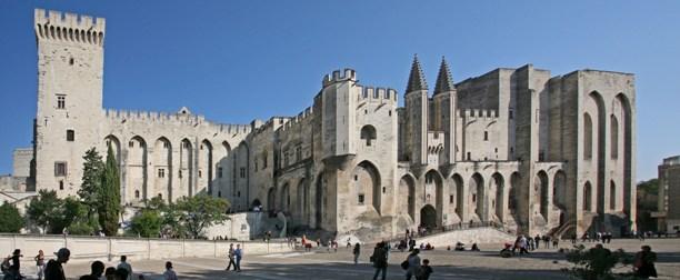 Avignon_Palais_des_Papes_by_JM_Rosier.jpg