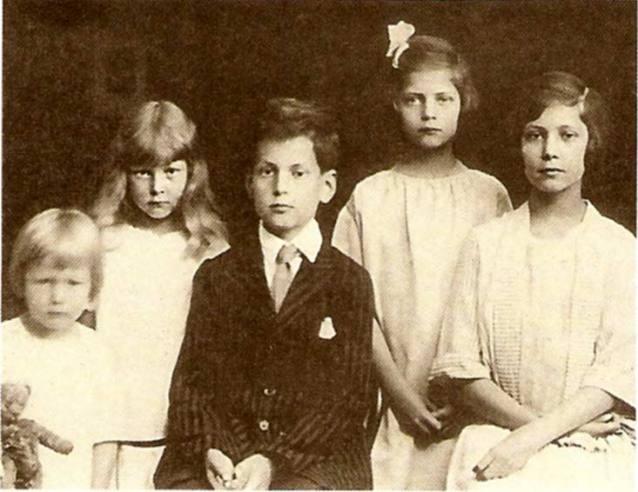 __Vasilchikov_deti_1922.jpg