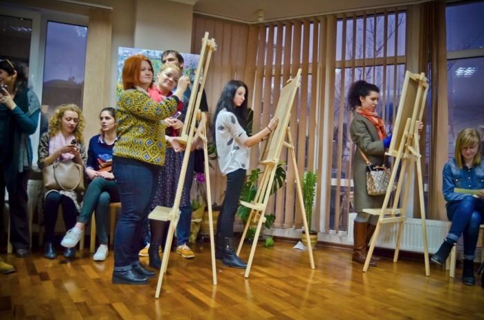 v-yalte-otkrylas-hudozhestvennaya-studiya-a-la-prima-34497-12.jpg