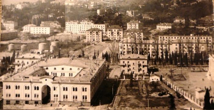 yalta_fish_factory_1956.jpg
